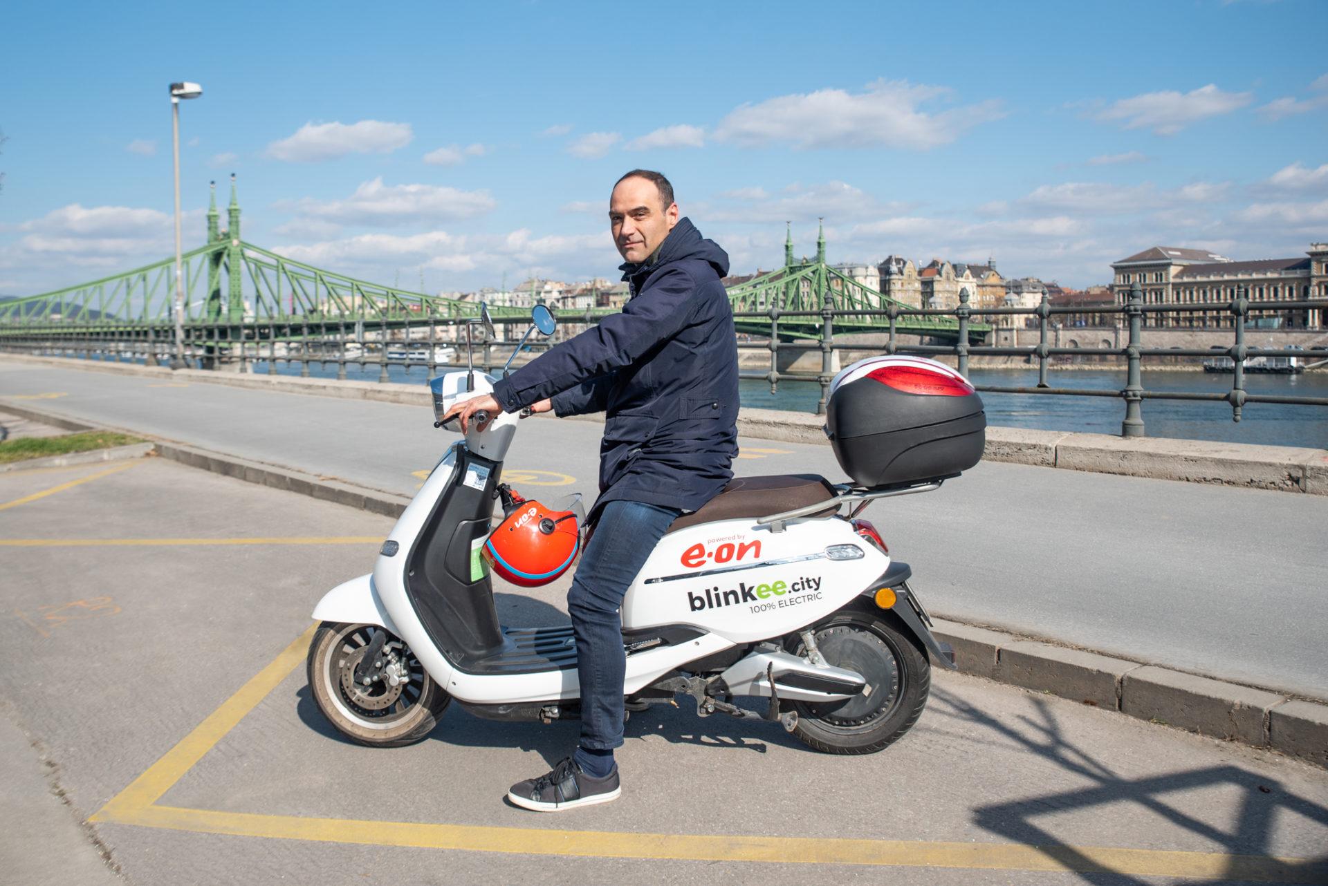 """""""Egy idő után bezárult a kör"""" – Interjú Varsányi Tamással, a robogómegosztó Blinkee.city alapítójával"""