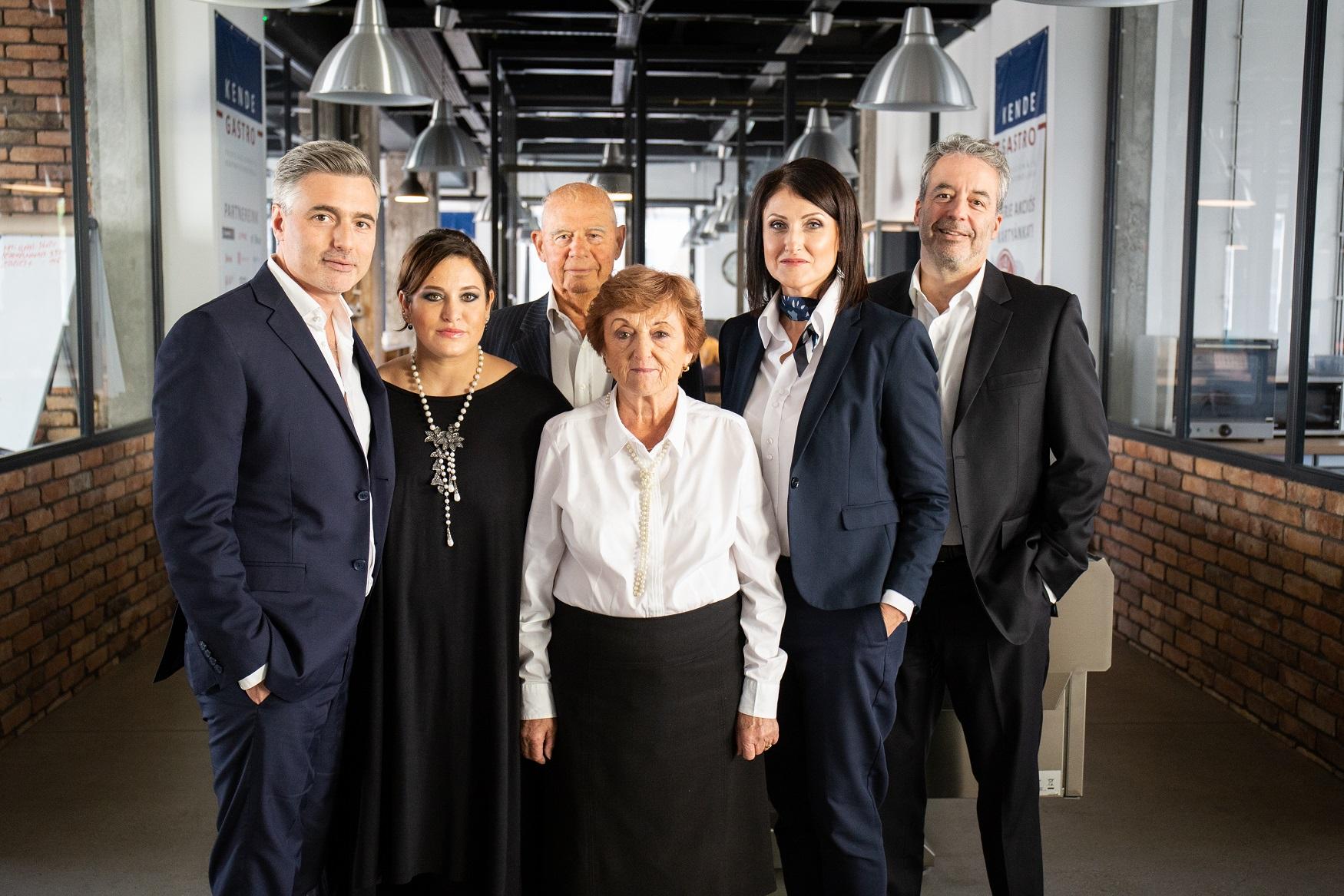 Fagylaltporoktól a mesterséges intelligencián alapuló konténerboltig: egy családi vállalkozás sikertörténete